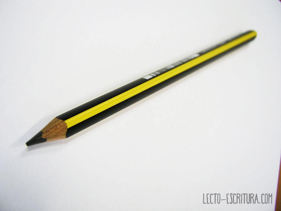 primer lápiz triangular